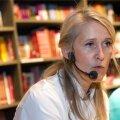 Angelica Udeküll esitles kokaraamatuid.