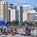ФОТО   А тем временем в Майами... Кто-то новости явно не читает и не слушает