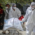 """""""Чернобыль XXI века"""": можно ли было предотвратить пандемию?"""