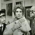 """PILDIKE FILMIST: Näitleja ja lavastaja Lembit Ulfsaki 1993. aasta filmis""""Lammas all paremas nurgas""""varastasid kolm taaraostjat maali, mis pidi nad hirmrikkaks tegema."""