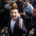 Ukraina presidendiks saab ülekaaluka võiduga koomik Zelenskõi