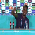 REUTERSI VIDEO | Paul Pogba tegi Cristiano Ronaldot järele, nüüd sai ninanipsu Heineken