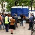FOTOD: Alatu võte - Moskva politsei viis protestilaagrist tualetid minema