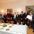 President Ilves võõrustas Kadriorus 2013. aastal Eestile kuulsust toonud sportlasi ja nende treenereid.