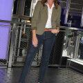 Ilus ja naiselik! Triiksärk on teksade parim kaaslane — kuidas see sundimatult välja kanda?