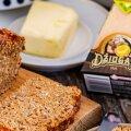 RETSEPT | Tummisema leiva saad, kui peale tumeda õlle paned taignasse ka juustu