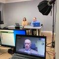 Латвийские русскоязычные журналисты запустили канал в YouTube, их смотрят миллионы зрителей