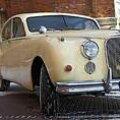 SPORTLIK KUNINGAS: Jaguar Mark VII on suur neljaukseline Inglise sportsedaan. Vallo Kruuser