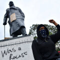 Soditud Winston Churchilli kuju Londonis 7. juunil
