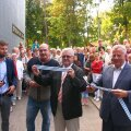Lindi lõikasid läbi Eventus Ehituse OÜ esindaja Lauri Kaska, linnaosavanem Erki Korp, linnapea Edgar Savisaar ja abilinnapea Arvo Sarapuu.