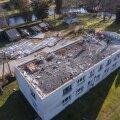 Sulbi külas lendas korterelamult katus.