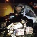 DELFI FOTOD: Tartus süttis põlema kaubik, milles magas sees leedulane
