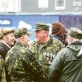 Pealtvaatajad eile veteranide päeva puhul Vabaduse väljakul peetud kontserdil.