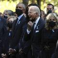 ФОТО   Джо Байден сделал странный жест на церемонии памяти жертв 11 сентября