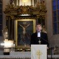 DELFI FOTOD: Peapiiskop Urmas Viilma advendikõnes: religioosses harimatuses on peidus meie rahvale ette heidetud võõravaenu juured