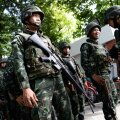 Olukord muutub pinevamaks: Tai armee pidas kinni endise peaministri