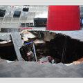 FOTOD ja VIDEO: USA-s kukkus kaheksa Corvette`i muuseumi alla tekkinud lõhesse