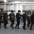 Manila kaubanduskeskuses võttis vallandatud turvamees umbes 30 inimest pantvangi