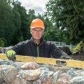 Arvo on aedu ehitanud juba 20 aastat ega näi väsivat. Olgugi et peaaegu kogu Eesti on tema ehitatud aedu täis, jätkub tööd seniajani.