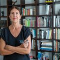 Eesti kunstiakadeemia professor Krista Kodres armastab valgust, avarust ja modernset joont. Ilma kunsti ja raamatuteta ta oma kodu ette ei kujuta.