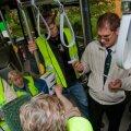 JUHTKIRI: Reisisaatja juhatab Savisaare valimistele