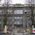 Tallinnasl Vana-Kalamaja 9 asuvas koolimajas käib juba mõnda aega ehitustöö.
