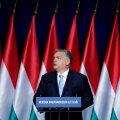 Ungari peaminister Viktor Orbán eile kodumaal kõnet pidamas. Tekst teatab: Ungari esimesena!