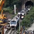 Taiwanis mäenõlvalt alla libisenud veoki juht kahetseb sügavalt 50 hukkunuga rongiõnnetuse põhjustamist
