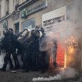 ВИДЕО   Во Франции задержан 81 участник протестов против полицейского насилия. На улицы вышли полмиллиона