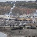 VIDEO | Hispaania saatis Ceutasse, kuhu saabus 8000 migranti, appi sõdurid