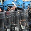 Milano ja Torino kasinusmeeleavaldustel said viga politseinikud