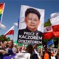 FOTOD: Varssavi tänavatel avaldas valitsuse vastu meelt pea veerand miljonit inimest