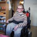 Jüri Lehtmets oma kodus. Rehabilitatsiooniteenuste eest võitlemine on veel üks lisakoormus peale muude katsumuste, millega tal tuleb rinda pista.