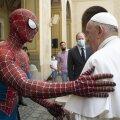Человек-паук в Ватикане: зачем супергерой пришел на встречу с папой римским?