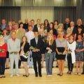 Tänavused tublimad gümnaasiumilõpetajad koos vanematega. Foto: Angela Kilk