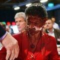 VIDEO: Saksa opositsiooniliidrit rünnati šokolaadikoogiga näkku
