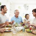 Mustrid korduvad! 10 viisi, kuidas suhted vanematega sinu armuelu mõjutavad