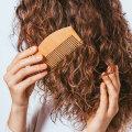VIDEO | Sul on lokkis juuksed, mis lähevad kogu aeg kahuseks? Kui jälgid neid samme, siis enam seda ei juhtu