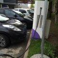 Parkimine laadimispunkti juures