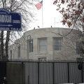 Ankaras avati möödakihutavast autost USA suursaatkonna pihta tuli: tulistaja jooksus