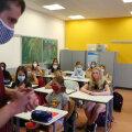 Saksamaal Hanau linnas asuva Karl-Rehbeini keskkooli uus õppeaasta on alanud ning viienda aasta õpilased kannavad vabatahtlikult maske (foto: REURERS / Scanpix)
