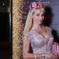 """ВИДЕО DELFI: """"Русская Барби"""" приехала в Таллинн! Не боятся ли ее мужчины, и как поддерживает форму идеальная куколка?"""