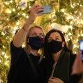 FOTOD | Eesti eri paigus tähistati esimest adventi ja süüdatati jõulupuude tuled