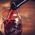 Plaanid õhtul jälle klaasikese veini juua? Loe, miks sa ei peaks seda tegema