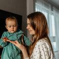 """""""Mulle on jäänud mulje, et väikeste laste emasid sageli tööle tagasi enam eriti ei oodatagi."""""""
