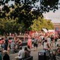Avamisõhtul tundus, et kogu Tartu oli kohale tulnud, et nautida üheskoos mõnusat linnaruumi.