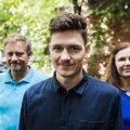 Ott Ilves isa Teedu ja ema Kadriga. Intervjuule tulid kõik kolm riietuna sinisesse. Nende endi sõnul oli see kokkusattumus.