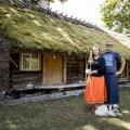 Tõnise Talu uued omanikud Kent ja Maarika otsustasid nädal pärast Muhus käimist oma Viimsis asuva linnamaja maha müüa ja saarele kolida
