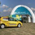 Noored Roolis sarjas võistlevad kõik korraldaja poolt välja pandud Renault Twingodel.