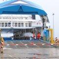 Pühapeval tegi Ts Laevad parvlaev Tõll avareisi Kuivastust Virtsu. Laeva kapten kinkis esimesele reisijale raamitud tervituse, mille saanu Janno Paju lubas kodus mälestuseks seinale kinnitada.